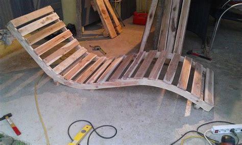chaise longue palette chaise longue avec des palettes terrasses recherche et