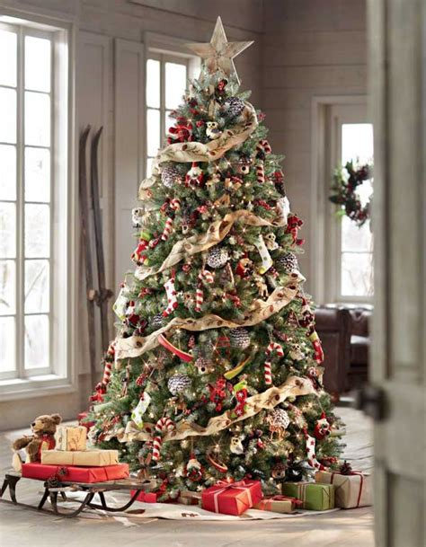 christmas trees decorated 25 creative and beautiful christmas tree decorating ideas