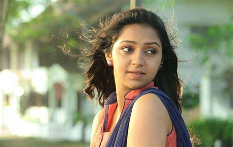 Lakshmi Bags Lead Role In Ems Desimartini