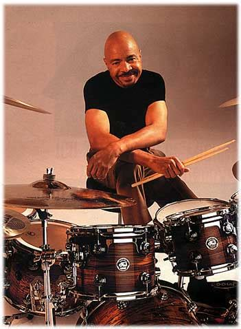 chester thompson drummerworld