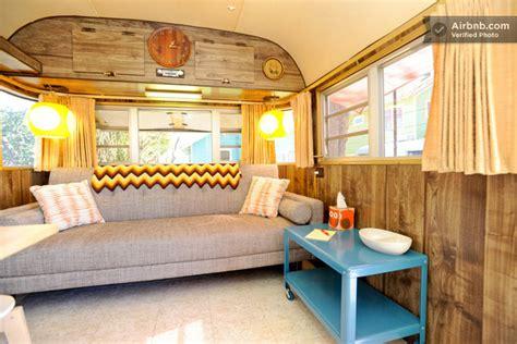 canapé 7 places convertible intérieur d 39 une caravane des ées 70 aux usa