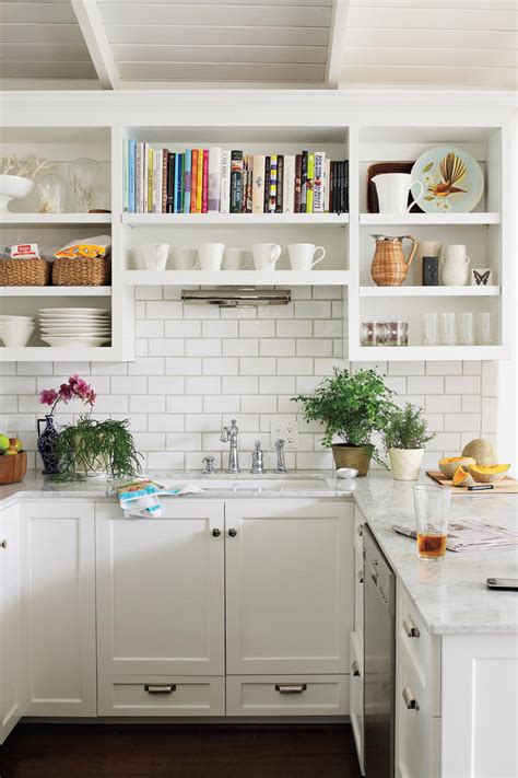 classic white kitchen crisp amp classic white kitchen cabinets southern living 974 | pr 7311 hmwals101219103