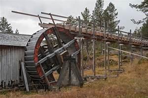 Vassrenna Og Det Store Overfallshjulet Ved Mellombekken Sag I Folldal  Dette Er Et Restaurert