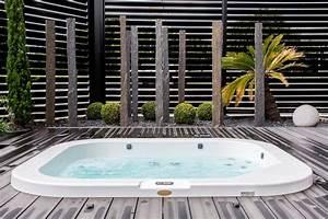 Jacuzzi En Bois : spa delos de jacuzzi encastr dans une terrasse en bois ~ Nature-et-papiers.com Idées de Décoration