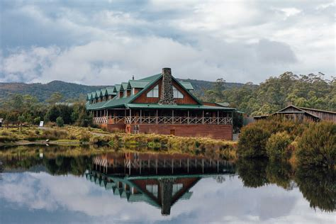 tasmania places stay accommodation cabins mountain cradle hotels unique lodge six lodges polkadotpassport