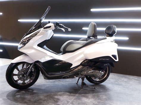 Pcx 2018 Putih Modifikasi by Kumpulan Foto Modifikasi Honda Pcx Terbaru 2018 Zofay Texaw