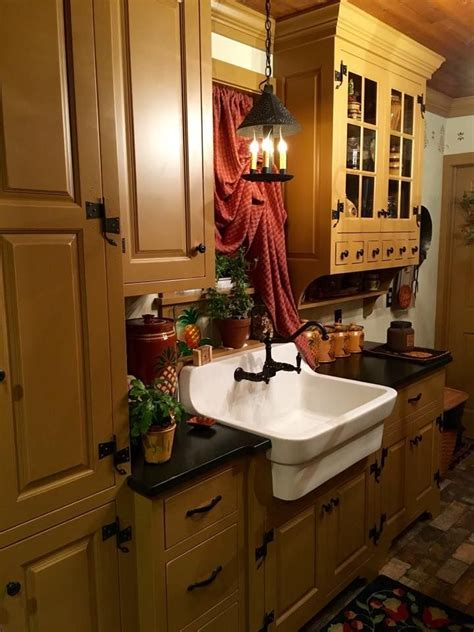 Best 20  Primitive Kitchen Cabinets ideas on Pinterest
