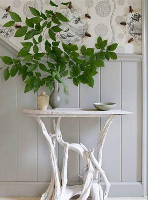 stehle selber bauen anleitung origineller tisch aus treibholz in wei 223 er farbe ideas for a future home bois deco und