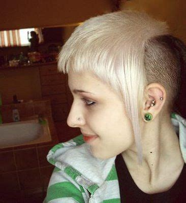 hairstyle typical  women   skinhead subculture
