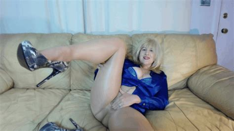 Curvy Mature Milf Amypaige Pantyhose Stockings