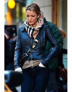 "Blake Lively seen on the set of ""Gossip Girl"" filming at ..."