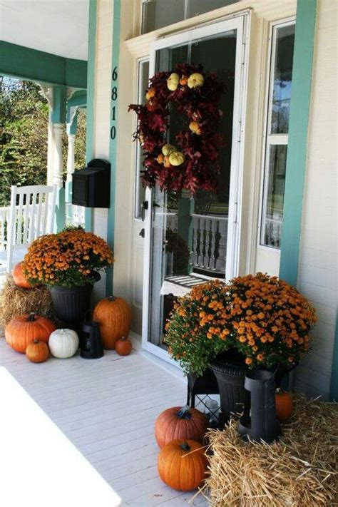 outdoor autumn decorating ideas 25 outdoor fall d 233 cor ideas that are easy to recreate shelterness