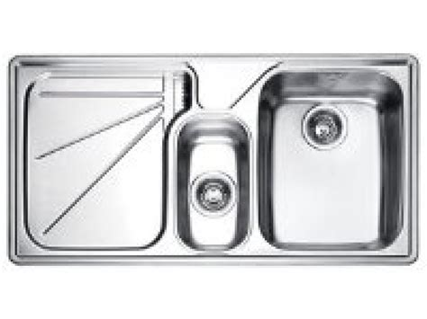 kitchen sinks and faucets how to pro quality sinks and faucets hgtv