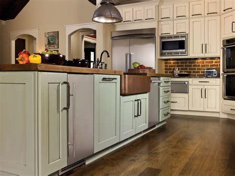 kitchen cabinets hartford ct hartford maple verde island micka cabinets 6096