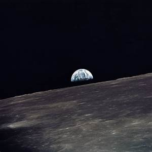 File:Apollo 10 earthrise.jpg - Wikimedia Commons