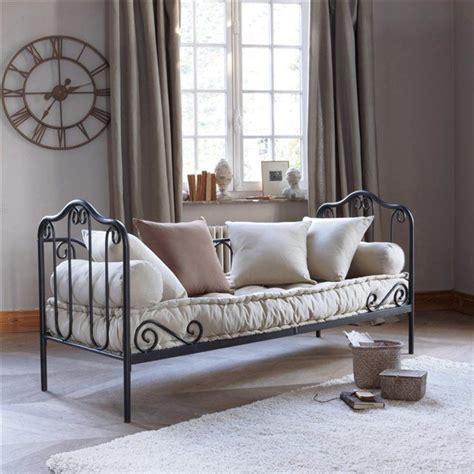 canapé lit en fer forgé 1000 idées sur le thème lits en fer forgé sur