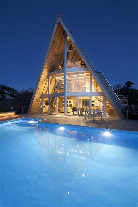 storey  frame vacation beach house idesignarch