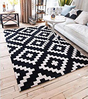 tapis ikea  tapis salon noir  blanc