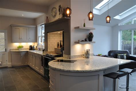 kitchen designers in curved peninsula 4632