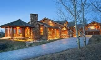 modern log home interiors luxury log cabin home luxury mountain log homes