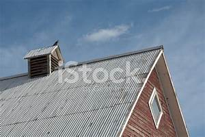 barn roof with bird on top stock photos freeimagescom With barn roof topper