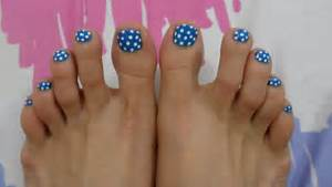 Best polka dots toe nail art design ideas