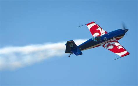 avion de voltige loire un pilote se tue aux commandes de petit avion de voltige le parisien