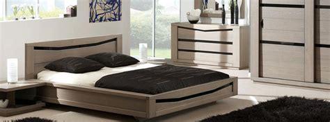 chambre en bois massif chambre à coucher en bois et rangements meubles bois massif
