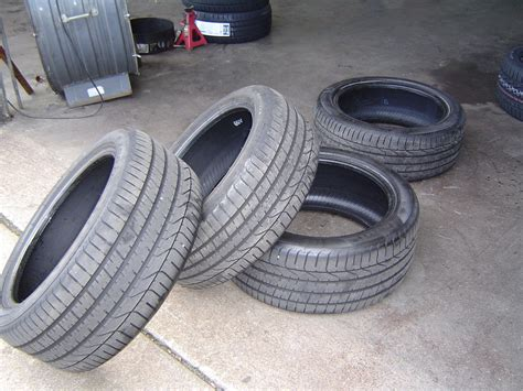 """When a normal wheel is punctured, the weight of the vehicle deforms the bead of the product. FS: Pirelli 19"""" Run Flat Tires - Set of 4 - MBWorld.org Forums"""
