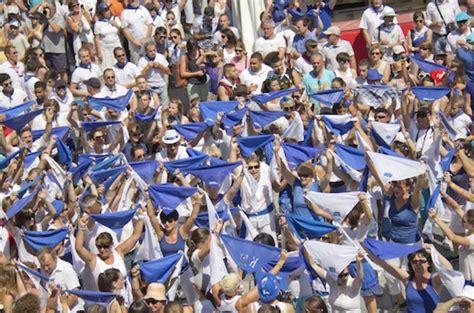 la feria de mont de marsan commence ce mercredi avec un programme de folie en bleu et blanc