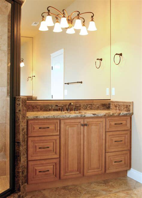 cinnamon glaze kitchen cabinets cinnamon maple glazed co66 5423