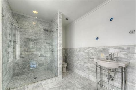 3 4 bathroom with crown molding high ceiling in