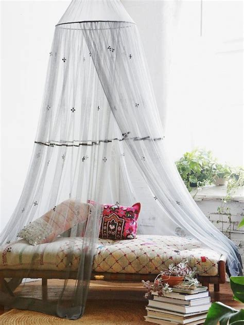 cute  practical mosquito net ideas  outdoors