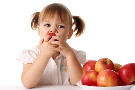 alimentazione a 11 mesi svezzamento pappe da proporre dopo i 10 11 mesi