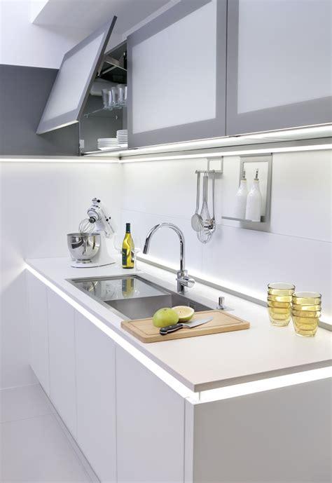 küche 300 cm h 228 ngeschrank nolte k 252 che bestseller shop f 252 r m 246 bel und einrichtungen