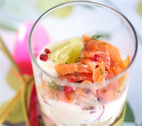 verrine fraicheur cucumber yogurt  smoked salmon la