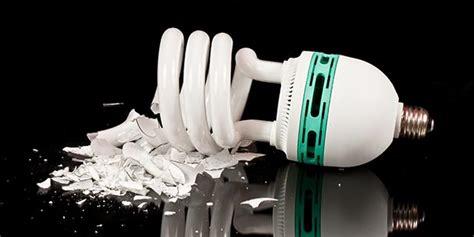 cleaning up a broken cfl compact fluorescent light bulbs