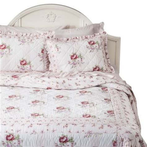 shabby chic bedding quilt simply shabby chic 174 mayberry rose quilt white pink my future home for when i m obscenely