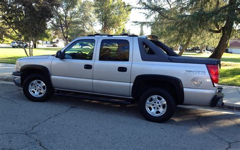 Chevrolet Avalanche 2004 by 2004 Chevrolet Avalanche Information And Photos Momentcar