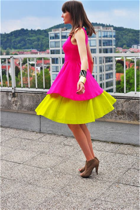Yellow COS Skirts Hot Pink Zara Dresses Camel Asos Heels | u0026quot;The Shitlisted Style Challenge ...