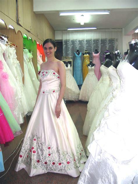 suzhous wedding gown street speaking  china