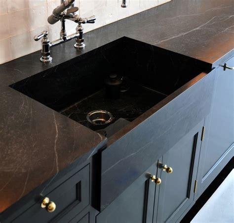 comptoir de cuisine quartz ou granit remodeling 101 soapstone countertops remodelista
