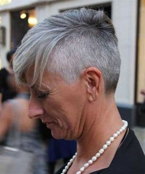 2018 2019 Grey Short Haircuts for Older Women Over 50