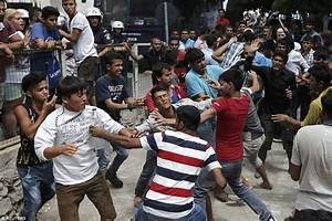 New chaos on Kos as Pakistanis, Afghans and Iranians throw ...