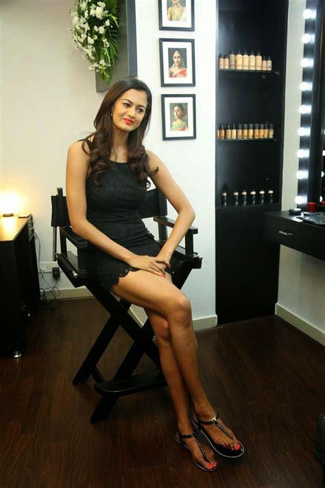shubra aiyappa hot legs thighs images  short black