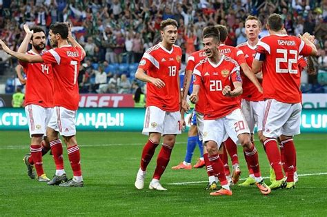 Управляется рфс, главным руководящим футбольным органом страны. Сборная России по футболу будет готовиться к матчу с Бельгией в Сочи
