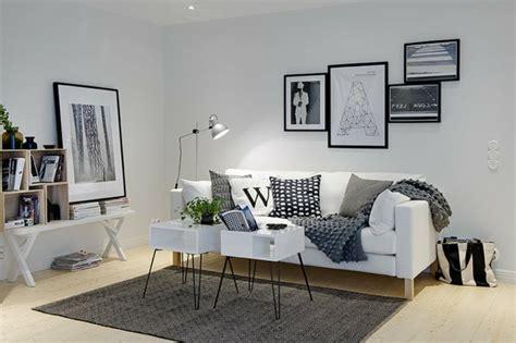 canapé rustique un salon en gris et blanc c 39 est chic voilà 82 photos qui