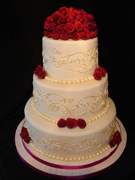 Cream And Plum Wedding Cake Cakes Wedding Cakes