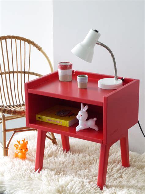table de chambre madavin table de nuit pour chambres d 39 enfant by mathy by