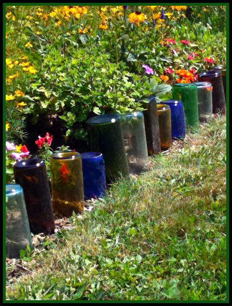 Upcycling Ideen Garten by Upcycle Glass Bottles Into A Garden Border Green